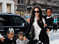 Angelins Jolie and kids outside Lee Art Shop