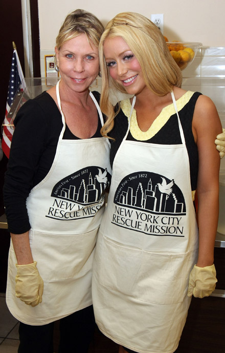 Aubrey O' Day and her mother, Kandy O'Day at NY Rescue Mission Thanksgiving 08