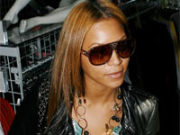 Beyonce in stylish/fierce sunglasses