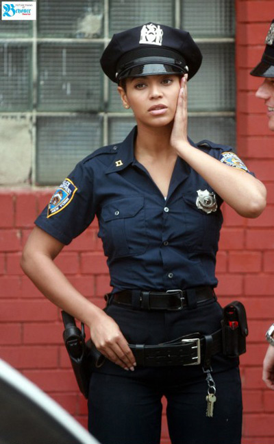 Sounds Girl officer phrase