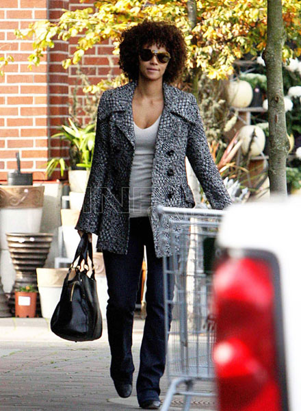 Halle Berry with a head of curls at Whole Foods