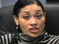 Keke Wyatt in a grey and black striped shirt, setting the record straight