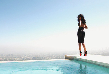 Kerry Washington Giant magazine - pool side