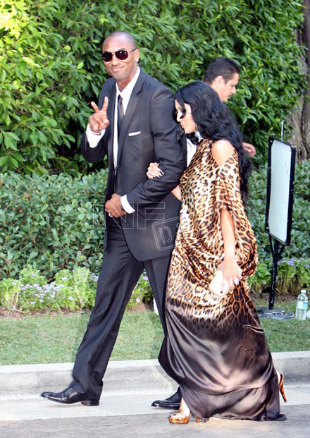 Kobe and Vanessa Bryant at Lamar Odom/Khloe Kardashian wedding