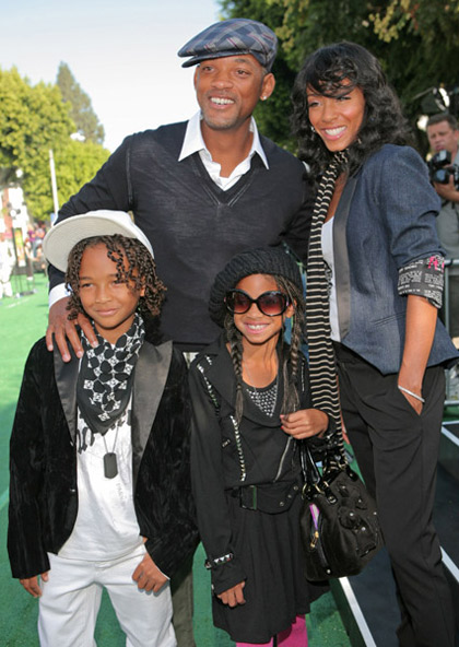 Will Smith and Jada Pinkett with the kids at Madagascar Escape 2 Africa premiere