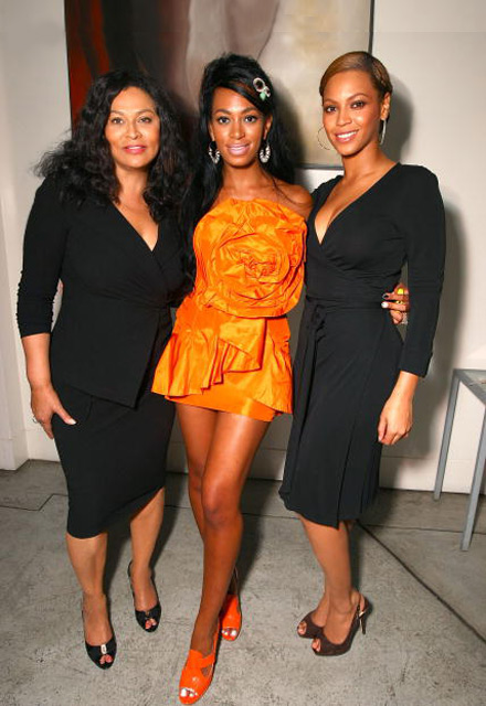 Solange Knowles with Mom and Beyonce at her 21st birthday party