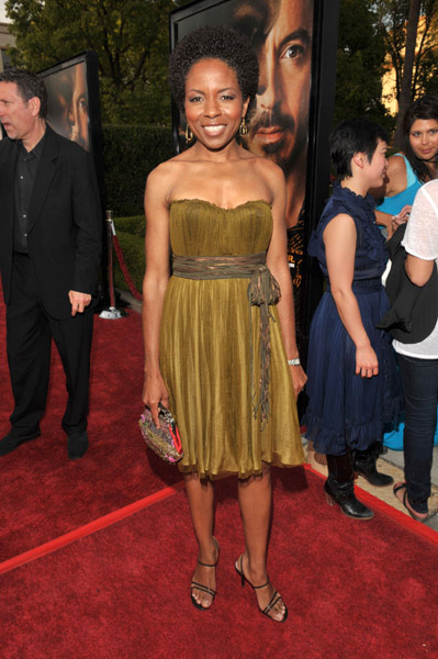 Lisa Gay Hamilton in gold dress at The Soloist premiere